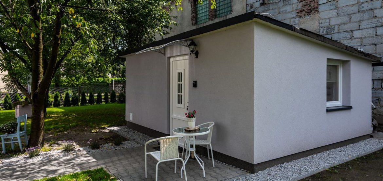 Apartament tropikalny z zewnątrz - oddzielny domek