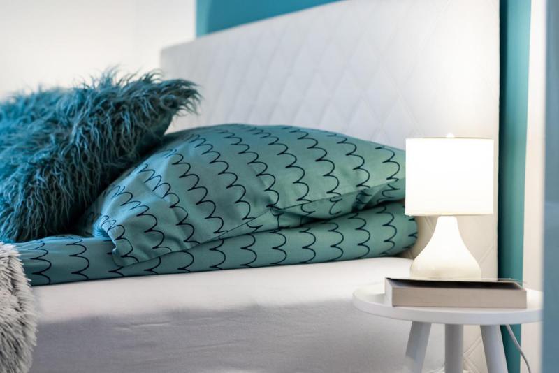 Łóżko w morskich kolorach